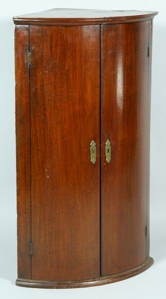 6024: Early 19th/Late 18th C. English Mahogany Corner C