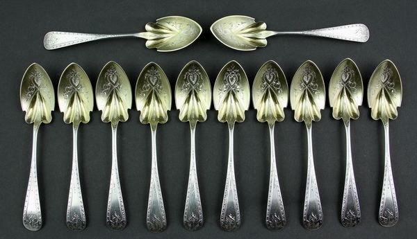 7020: 12 English Sterling Spoons