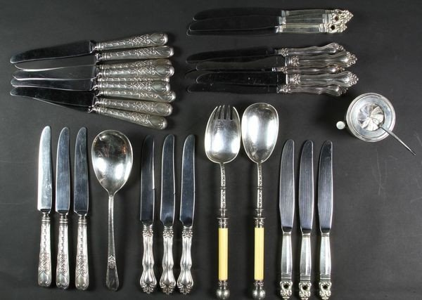 4015: Sterling and Silver-plated Lot