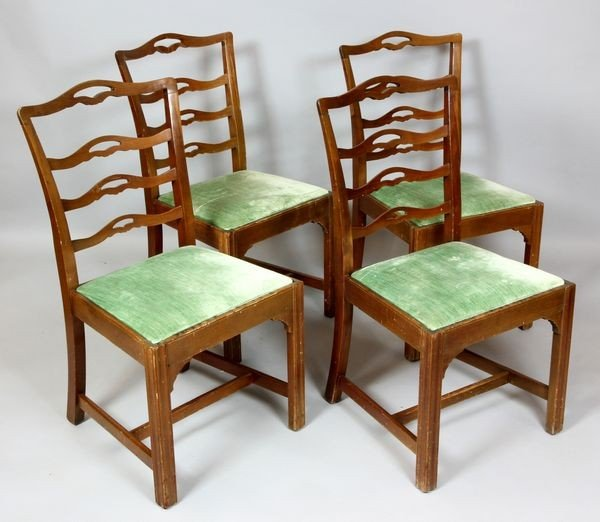 5009: 20th C. Set of Four (4) Chippendale Chairs
