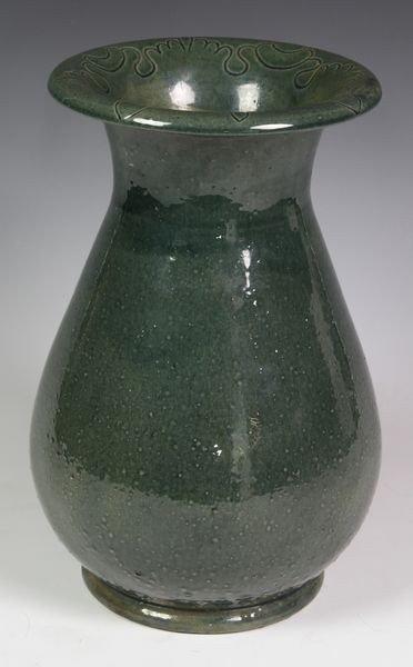5017: Chelsea Keramic Vase