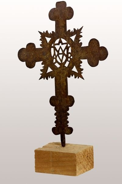 7023: 18th C. Hand Cross