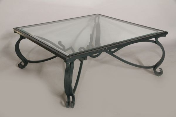 8025: Wrought iron table