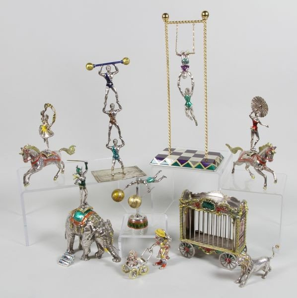 8109: 17 Piece Tiffany & Co. Circus Set