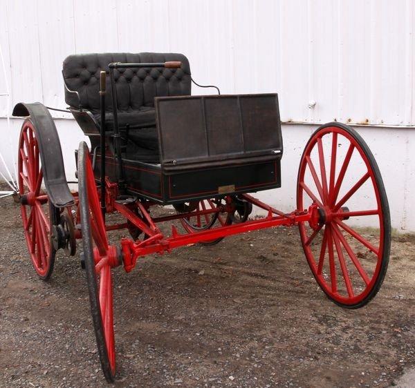 8110: 1906 Holsman Horseless Carriage