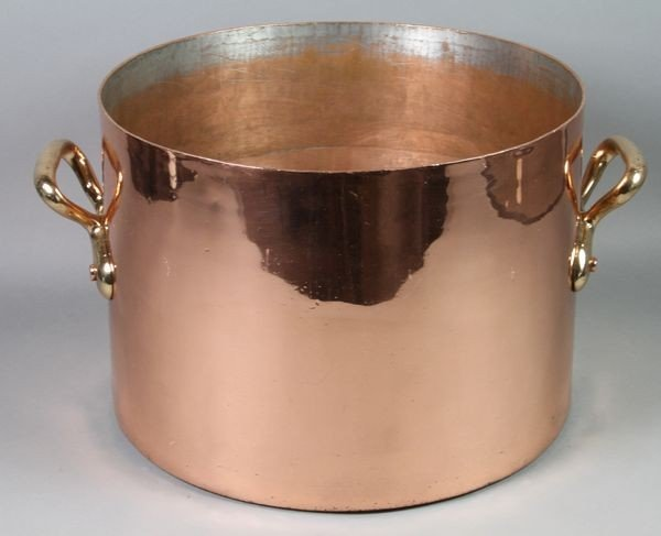 1054: English Copper Pot