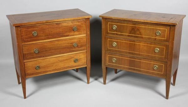 2121: Pair of Italian Neoclassical Commodes
