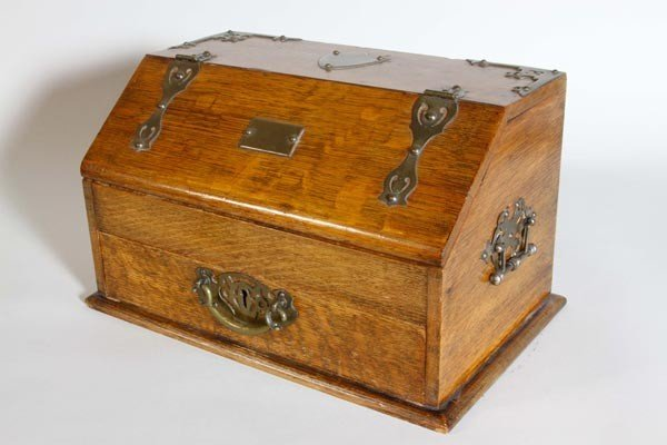 3003: 19th C. English Oak Smokers Box