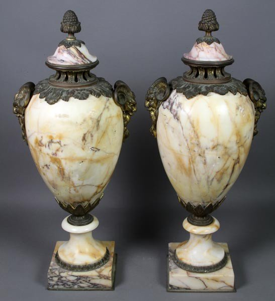 3022: Pair of Marble Urns
