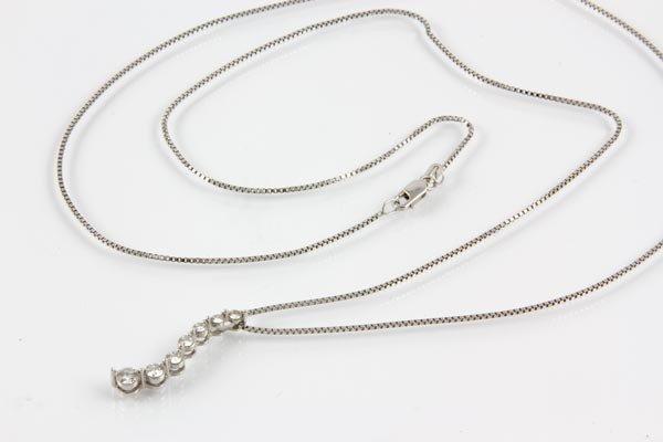 3029A: 14K Gold and Diamond Pendant