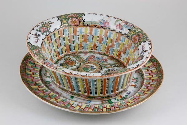 3036: Rose Medallion Bowl with Under Plate