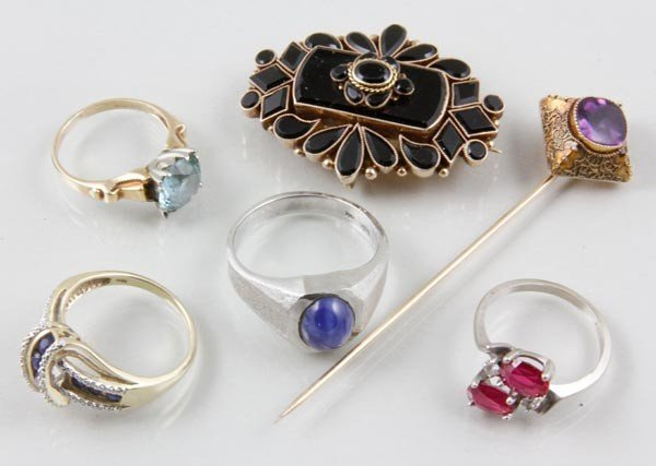 3048: Collection of 10K Jewelry