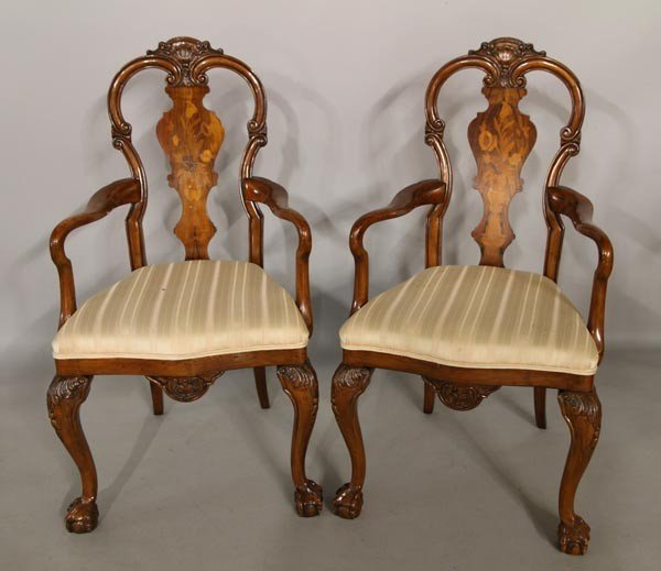 3052: 8 Continental Style Dining Chairs