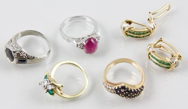 3056: Assortment of 18K Gold Jewelry