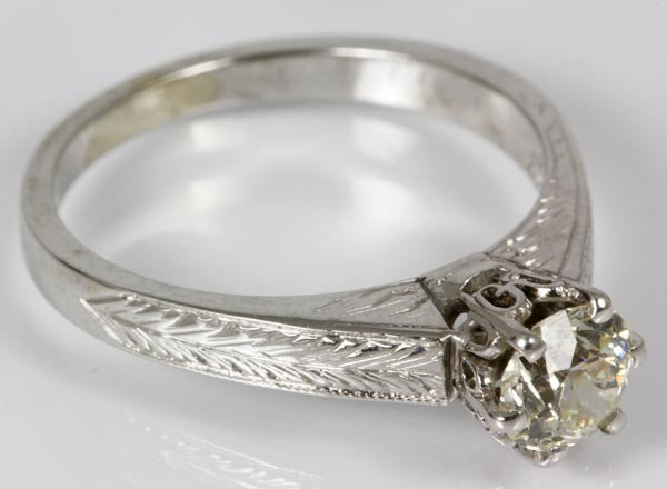 3056A: 14K Gold and Diamond Ring