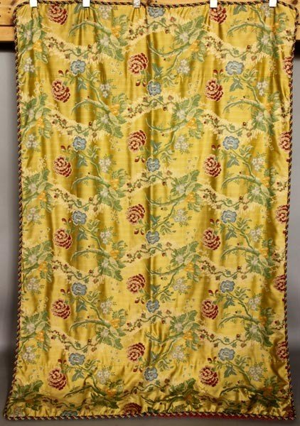 4162: English Gold and Silk Bed Puff