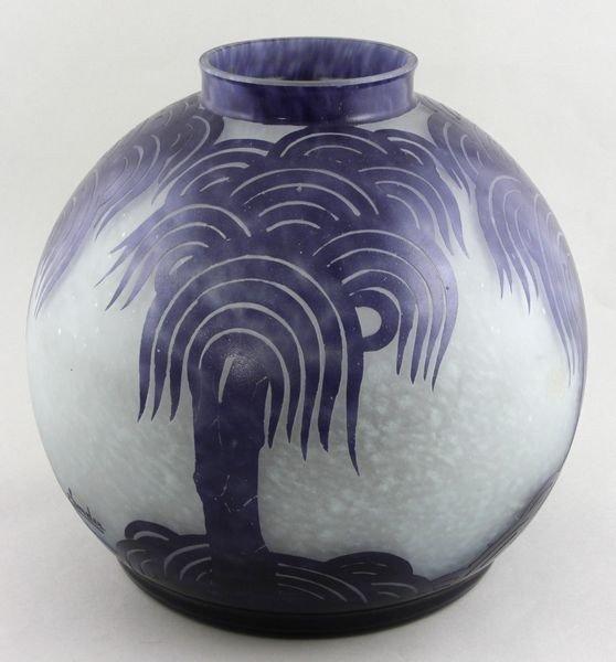 5086: Le Verre Français Cameo Glass Vase