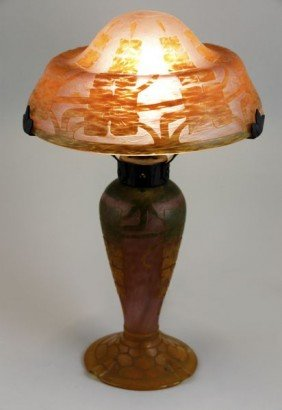 Le Verre Fran�ais Cameo Glass Table Lamp