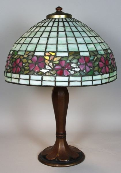 5174: Leaded Glass Lamp