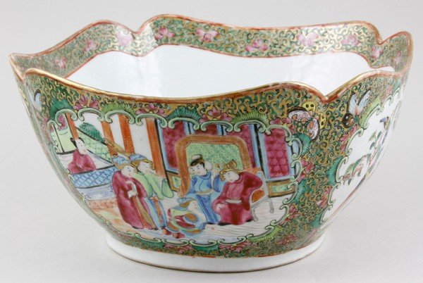 7014: Chinese 19th C. Rose Mandarin Bowl