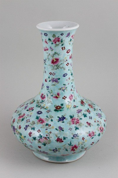 7022: Chinese 19th/20th C. Famille Rose Vase