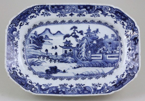 8014: Chinese 18th C. Export Porcelain Dish