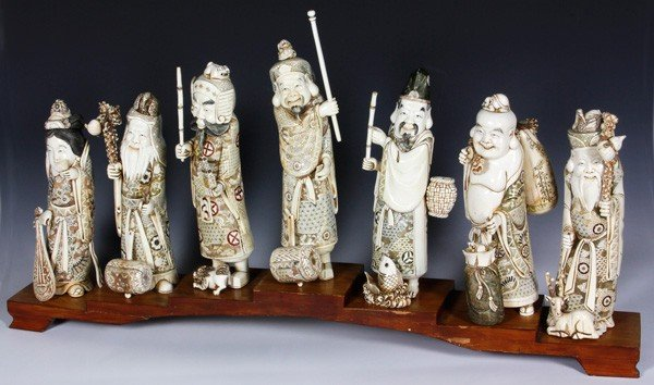 8118: Japanese Early 20th C. Set of Ivory Figures
