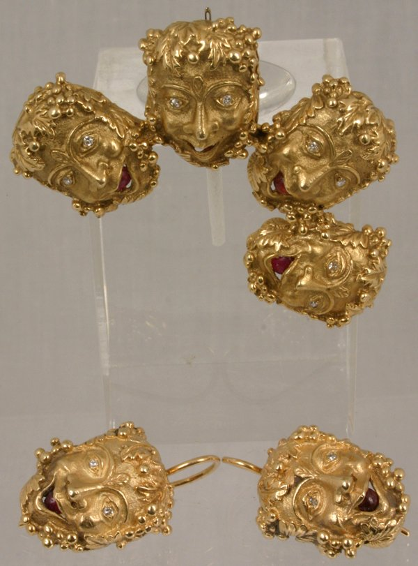 3: GOLD MASK PIN & EARRINGS RUBIES, DIAMONDS