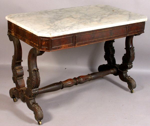 147: BOSTON CLASSICAL MAHOGANY SOFA TABLE