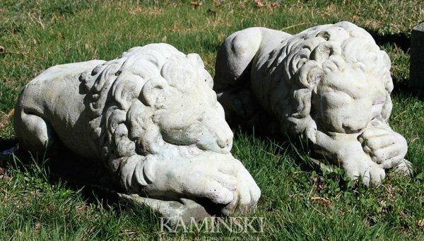 1051: Pair of Sleeping Lions