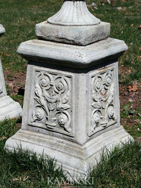1066: French Style Floral Pedestal