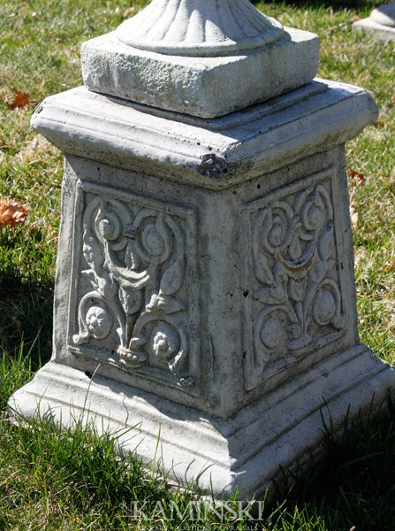 1067: French Style Floral Pedestal