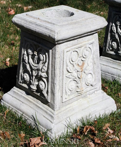 1069: French Style Floral Pedestal