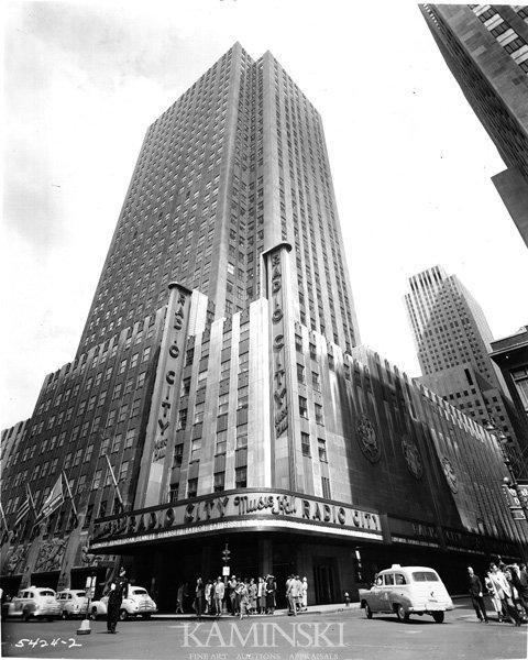 9018: 17 Rockefeller Center Photographs
