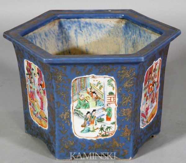 4074: Early 20th C. Chinese Planter