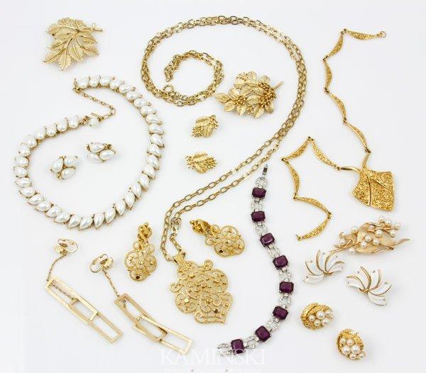 5007: Trifari Jewelry