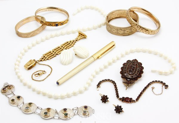 5239: Vintage and Victorian Jewelry