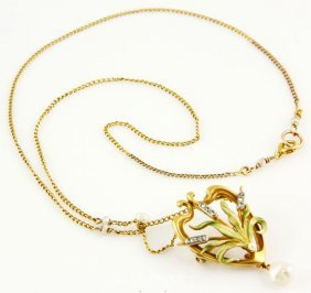 9008: 14K Gold, Diamond and Pearl Lavaliere