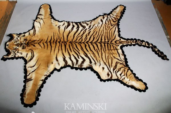 9191: Tiger Skin Rug With Cloth Backing