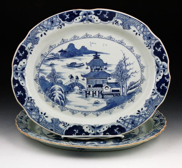 7011: Chinese Pair of Export Plates