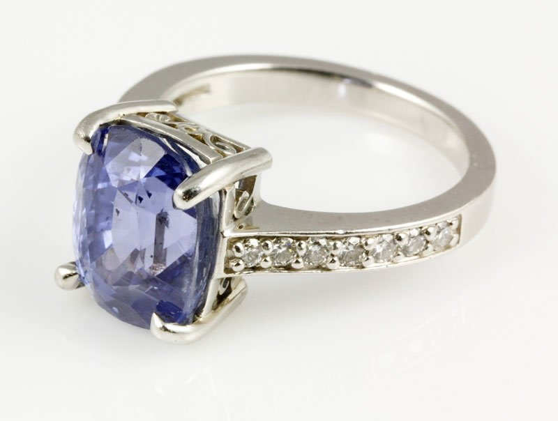 18K Gold, Diamond and Natural Sapphire Ring