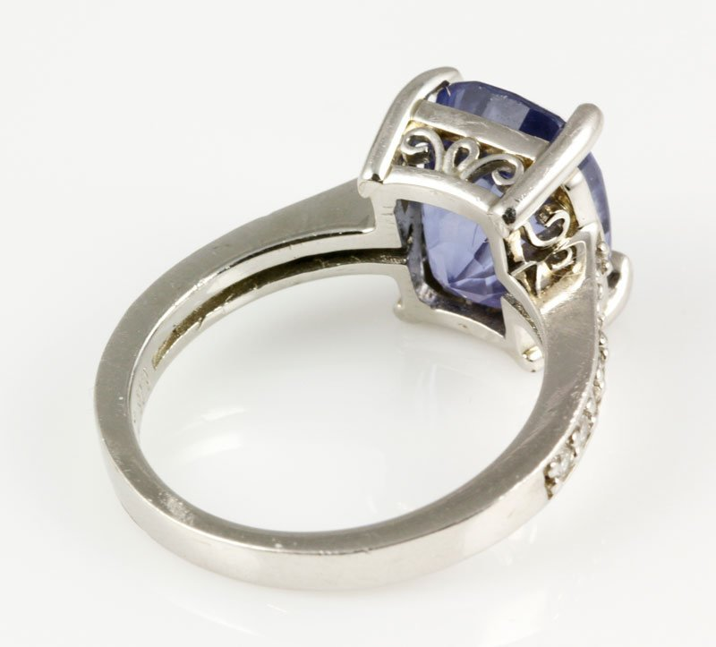 18K Gold, Diamond and Natural Sapphire Ring - 2