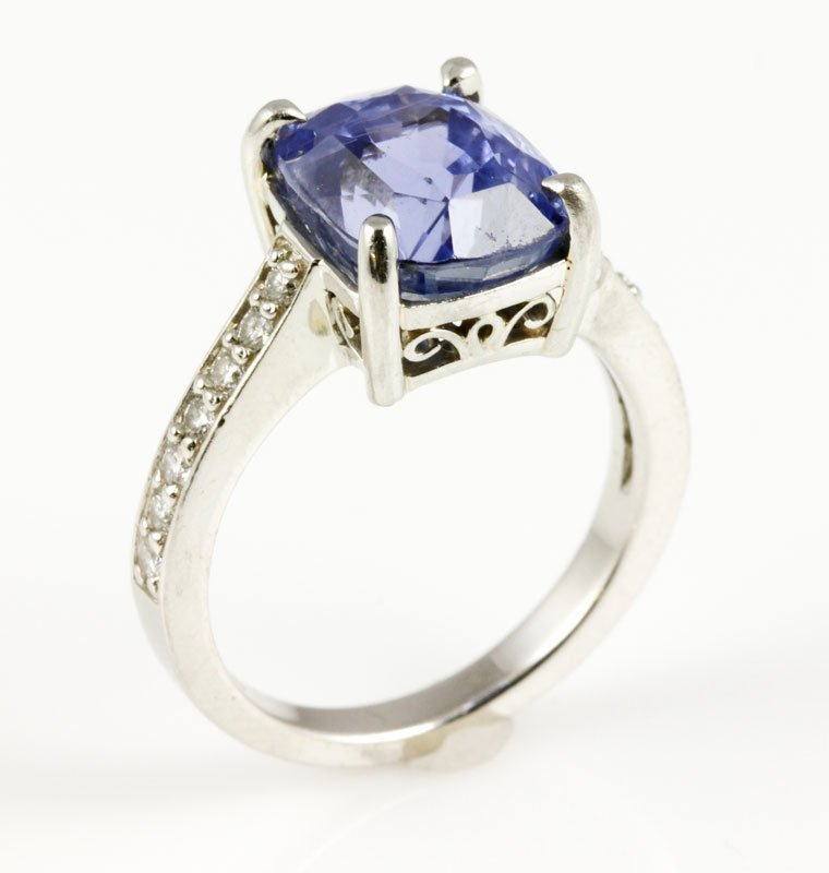 18K Gold, Diamond and Natural Sapphire Ring - 4
