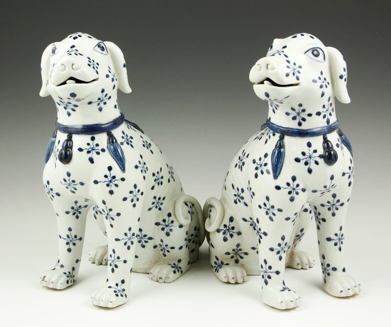 Chinese Blue and White Export Dogs