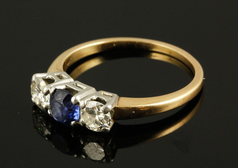 Ladies 14K Gold, Diamond and Sapphire Ring