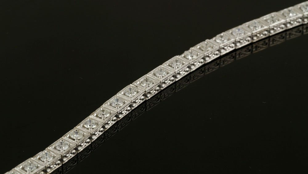 18K White Gold and Diamond Bracelet - 3
