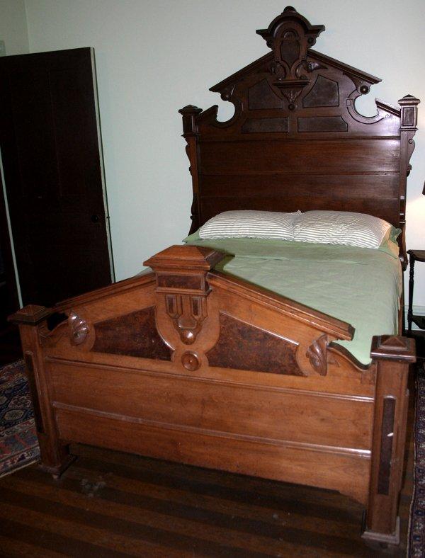 4: THREE PIECE VICTORIAN BEDROOM SUITE MARBLE-TOP