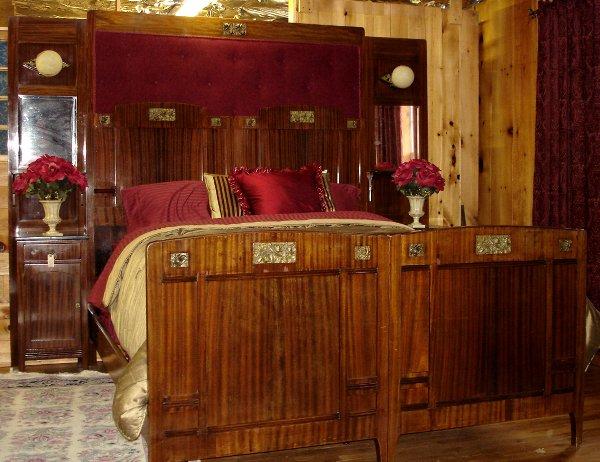 6: ITALIAN KING SIZE BED