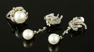 14K Gold Diamond and Baroque Pearl Jewelry Set