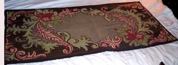 2013: ONE MARITIME HOOKED RUG LARGE FLORAL